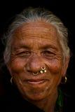 Chhaimale村庄, 29km的一个年长夫人在加德满都南部,尼泊尔 图库摄影