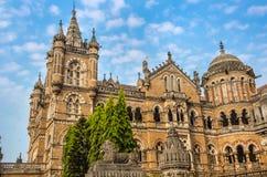 Chhatrapati Shivaji Terminus stacja kolejowa lub Wiktoria Terminus w Mumbai obraz royalty free