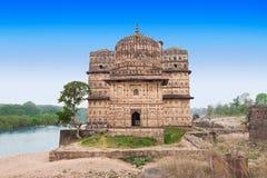 Chhatris纪念碑,奥拉奇哈 库存图片