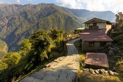Chhomarong村庄尼泊尔传统建筑  免版税库存照片
