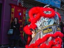 Chiński nowy rok 2019 Paryski Francja - lwa taniec obraz stock