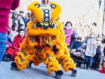 Chiński nowy rok 2019 Paryski Francja - lwa taniec obrazy royalty free