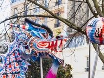 Chiński nowy rok 2019 Paryski Francja - smoka taniec obraz royalty free