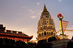 chińczyk zaświecał w górę rok nową świątynię fotografia stock