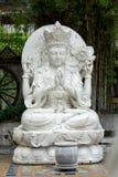 Chińscy bóg rzeźbiący od bielu marmuru zdjęcia royalty free