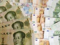 Chińscy banknoty i euro rachunki obraz royalty free