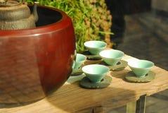 Chińscy ceramiczni herbacianych filiżanek ładni style Obrazy Royalty Free