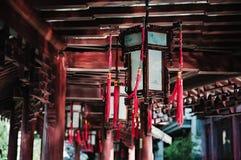 Chińscy lampiony przy Yuyuan Uprawiają ogródek w Shanghai porcelanie Zdjęcia Royalty Free