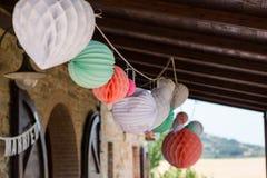 Chińscy lampiony Tuscany Włochy - Poślubiający dekorację - Zdjęcie Royalty Free