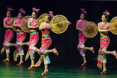 Chińscy tancerze. Zhuhai Han Sheng sztuki ansambl. obraz stock