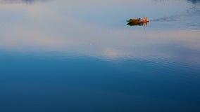 Chińska łódź i rzeka Zdjęcia Stock