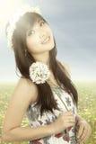 Chińska kobieta jest ubranym koronę kwiat Zdjęcie Stock