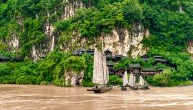 Chińska wioska i łódź obrazy royalty free