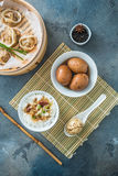 Chiński śniadanie z ryżowym porrige, herbacianymi jajkami i dim sum, Obraz Royalty Free