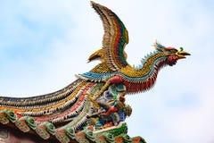 Chiński feniks, Dachowa grafika, rzeźba smok na Longshan świątyni, Taipei, Tajwan zdjęcie stock