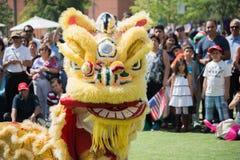 Chiński lew przy Norooz festiwalem Perską paradą i Obrazy Royalty Free