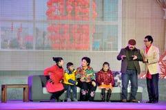 Chiński nakreślenia Somedy występ na Latarniowym festiwalu fotografia royalty free