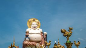 Chiński Roześmiany Buddha przy Plai Laem świątynią Główny symbol i Popularny Samui wyspa w Tajlandia punkt zwrotny - Turystyka i zbiory wideo