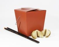 Chiński Takeout, Chopsticks i pomyślność ciastka, Fotografia Stock