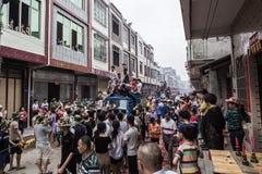 Chiński tradycyjny lokalny występ--chuan Zhang pokonywać przeszkody Zdjęcia Stock