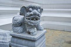 Chiński zwierzęcy opiekun przy Szmaragdową Buddha świątynią Obrazy Stock