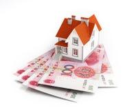 Chińczyka Juan banknoty pod domem Zdjęcie Royalty Free