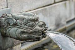 'chi' Lin Nunnery Kowloon Hong Kong della fontana del drago Fotografia Stock Libera da Diritti