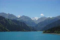 chi niebo porcelanowy jeziorny gubernialny tian Xinjiang Obrazy Stock