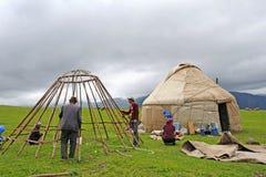 Chińscy kazach budowy jurt ludzie Fotografia Stock