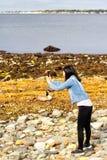 Chińska kobieta bierze obrazki Fotografia Stock
