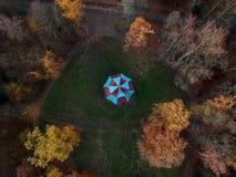 Chiński pawilon w jesieni obrazy stock