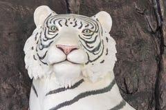Chińskiego bielu statuy tygrysi dom Zdjęcia Stock