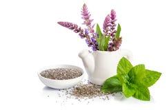 Chia осеменяет здоровое superfood с цветками Стоковое Изображение RF