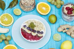 Chia et baie smoothy photo stock