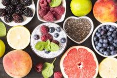 Chia i jagodowy smoothie fotografia stock