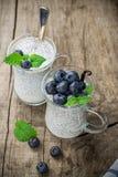 Chia kärnar ur pudding med blåbär Royaltyfri Foto