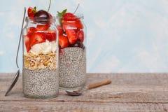Chia pudding med strawberrie Royaltyfri Foto