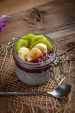 Chia-Samenpudding mit Frucht Lizenzfreies Stockfoto