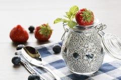 Chia ziarna pudding z jagodami Obraz Royalty Free