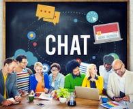 Chiacchierata che chiacchiera concetto online di tecnologia di messaggio fotografie stock libere da diritti
