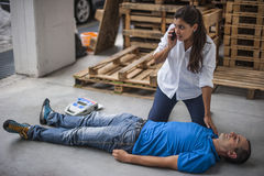 Chiamata d'emergenza a 911 Immagine Stock