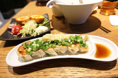 chiamata Gyoza, alimento asiatico di Fioco-somma di tradizione fotografie stock libere da diritti