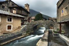 Chianale - η γέφυρα πετρών στοκ φωτογραφία με δικαίωμα ελεύθερης χρήσης
