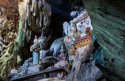 Chiang Dao Cave Temple (WAT THAM CHIANG DAO) Chiang Dao Cave Temple, Tailandia Fotografía de archivo libre de regalías