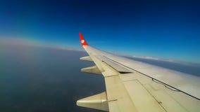 "Chiang Mai, †de Tailândia ""19 de janeiro de 2017: Lion Air SL 506 que aterra no aeroporto internacional de Chiang Mai, lapso de vídeos de arquivo"