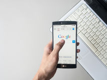 CHIANG MAI, ΤΑΪΛΆΝΔΗΣ - 01.2016 ΜΑΐΟΥ: Το Google είναι ένα αμερικανικό multinat Στοκ φωτογραφία με δικαίωμα ελεύθερης χρήσης