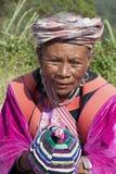 CHIANG MAI, ΤΑΪΛΆΝΔΗ - 15 ΝΟΕΜΒΡΊΟΥ: Μη αναγνωρισμένη γυναίκα από τη Lis Στοκ φωτογραφίες με δικαίωμα ελεύθερης χρήσης