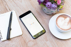 CHIANG MAI, ΤΑΪΛΆΝΔΗ - 14 Νοεμβρίου 2016: Iphone7 συν το αεριωθούμενο bla Στοκ Φωτογραφία