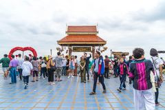 Chiang Mai, Ταϊλάνδη, την 1η Ιανουαρίου 2018: Τουρίστας που ταξιδεύει σε Wat Phr Στοκ Εικόνα