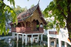 Chiang Mai, Таиланд - 17-ое февраля 2015: Человек Wat Chiang известное Te Стоковое Изображение